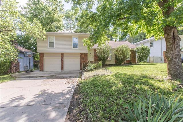 8827 N Grand Avenue, Kansas City, MO 64155 (#2173477) :: Dani Beyer Real Estate