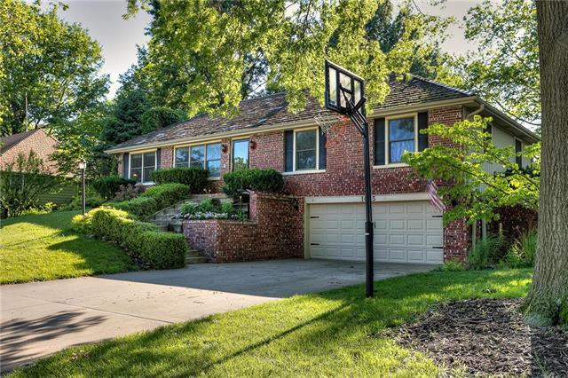 1005 Scott Drive, Liberty, MO 64068 (#2173490) :: Clemons Home Team/ReMax Innovations