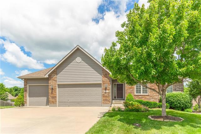 1004 NW Holly Court, Grain Valley, MO 64029 (#2173534) :: The Shannon Lyon Group - ReeceNichols