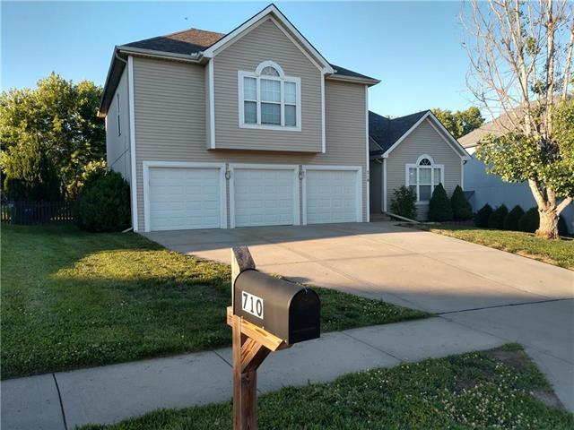 710 Lucille Street, Liberty, MO 64068 (#2173637) :: DHG Network