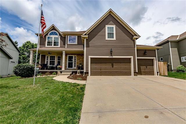 24112 W 80th Street, Lenexa, KS 66227 (#2173649) :: Dani Beyer Real Estate
