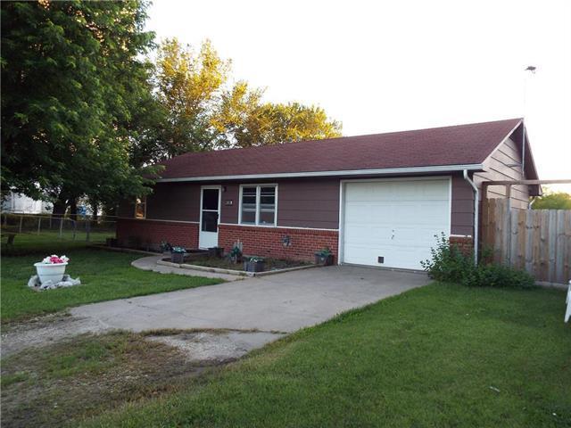 421 S Cottonwood Street, Garnett, KS 66032 (#2173654) :: Dani Beyer Real Estate