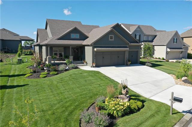 24916 W 91st Place, Lenexa, KS 66227 (#2173836) :: The Shannon Lyon Group - ReeceNichols