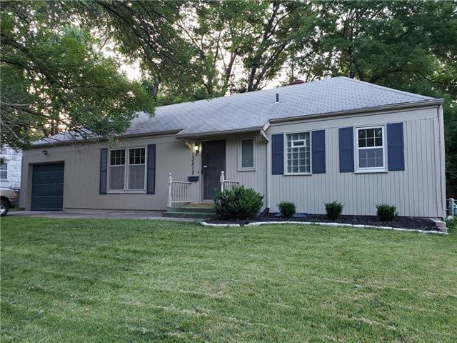 13212 Herrick Avenue, Grandview, MO 64030 (#2173903) :: Kansas City Homes