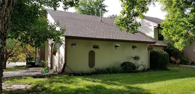 12217 Charlotte Street, Kansas City, MO 64146 (#2173974) :: The Shannon Lyon Group - ReeceNichols