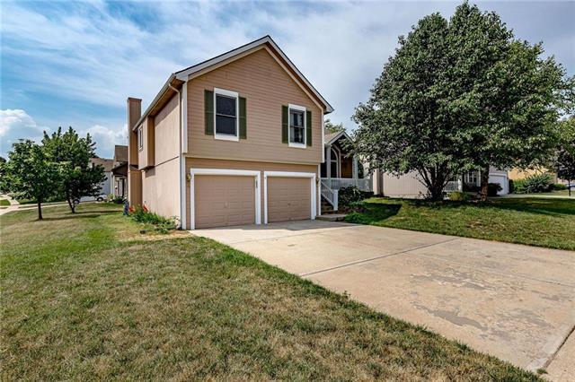 8627 NE 75th Terrace, Kansas City, MO 64158 (#2174020) :: House of Couse Group