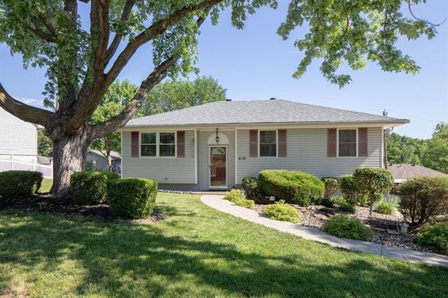 16822 E 41st Street, Independence, MO 64055 (#2174063) :: Edie Waters Network