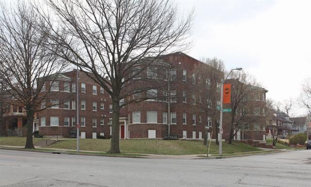 1205 E Armour Boulevard, Kansas City, MO 64109 (#2174207) :: Clemons Home Team/ReMax Innovations
