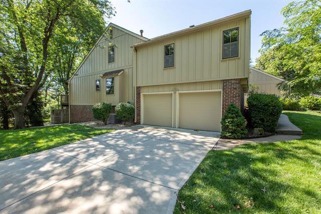 4301 W 112 Terrace, Leawood, KS 66211 (#2174281) :: No Borders Real Estate