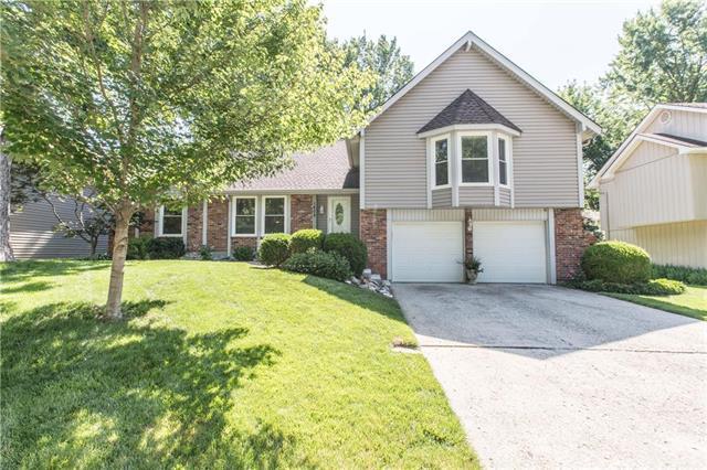 1608 SW 21st Street, Blue Springs, MO 64015 (#2174754) :: Dani Beyer Real Estate