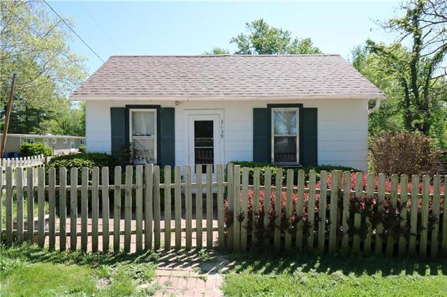 3139 N 72nd Street, Kansas City, KS 66109 (#2174778) :: Clemons Home Team/ReMax Innovations