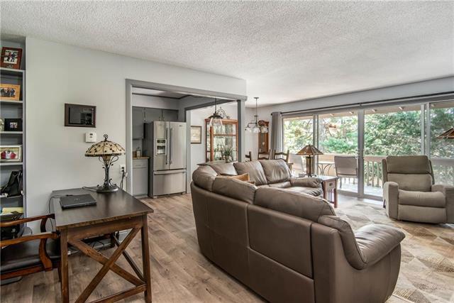 8716 Metcalf Avenue #204, Overland Park, KS 66212 (#2174986) :: Clemons Home Team/ReMax Innovations