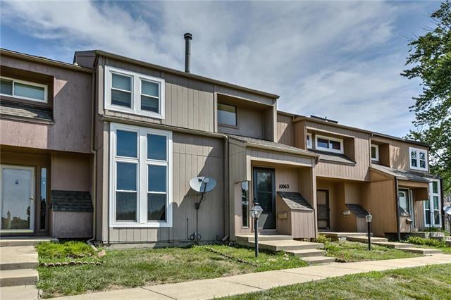 10063 N Locust Street, Kansas City, MO 64155 (#2175087) :: Dani Beyer Real Estate