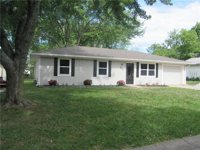 906 W 4th Street, Edgerton, KS 66021 (#2175183) :: Kansas City Homes