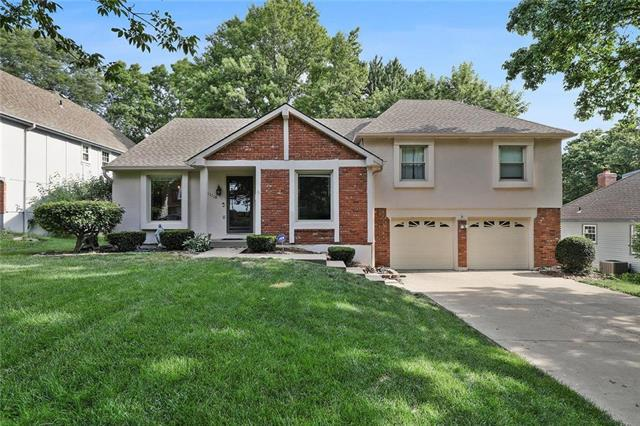 11110 W 99th Place, Overland Park, KS 66214 (#2175215) :: Clemons Home Team/ReMax Innovations