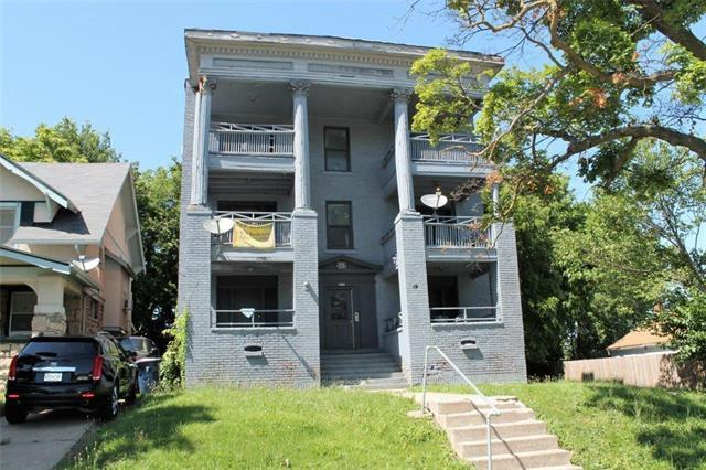 3300 E Linwood Boulevard, Kansas City, MO 64128 (#2175668) :: House of Couse Group