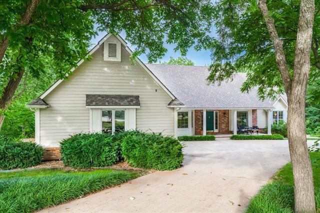 1600 Inverness Drive, Lawrence, KS 66047 (#2175681) :: Kansas City Homes