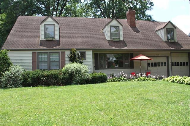 4805 W 69 Street, Prairie Village, KS 66208 (#2175690) :: The Shannon Lyon Group - ReeceNichols