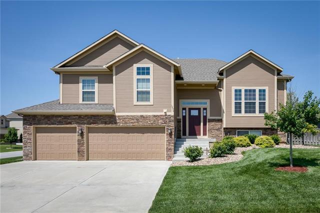 1296 Summit Court, Lansing, KS 66043 (#2175730) :: Team Real Estate