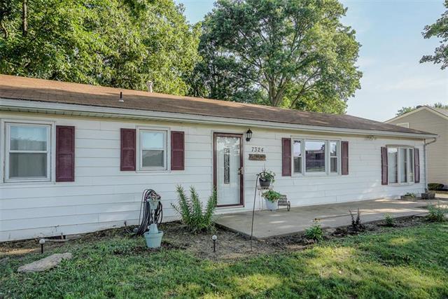 7324 Farrow Avenue, Kansas City, KS 66109 (#2175768) :: Clemons Home Team/ReMax Innovations