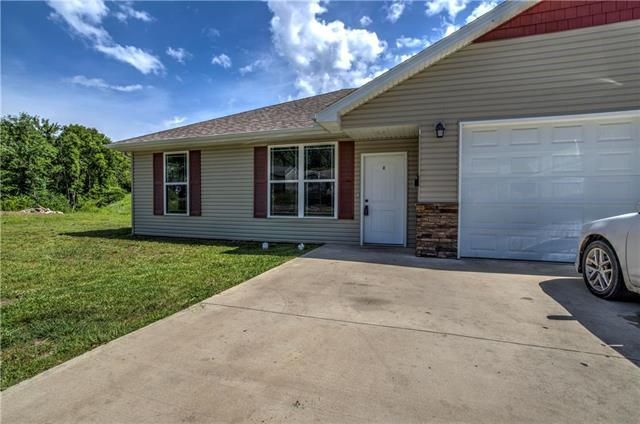 809 E Broad Street, Warrensburg, MO 64093 (#2175792) :: House of Couse Group