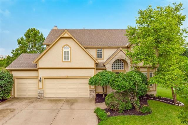 8430 Harbinger Street, Lenexa, KS 66219 (#2175793) :: House of Couse Group