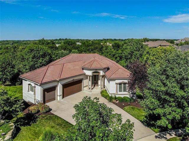 8902 Quail Ridge Lane, Lenexa, KS 66220 (#2175832) :: The Shannon Lyon Group - ReeceNichols