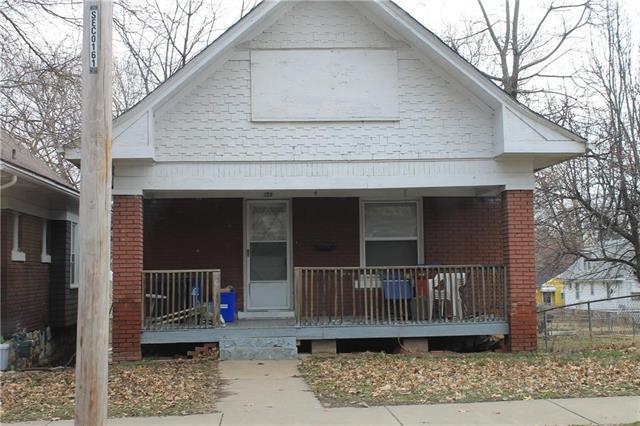 135 N Hardesty Avenue, Kansas City, MO 64123 (#2175875) :: Eric Craig Real Estate Team