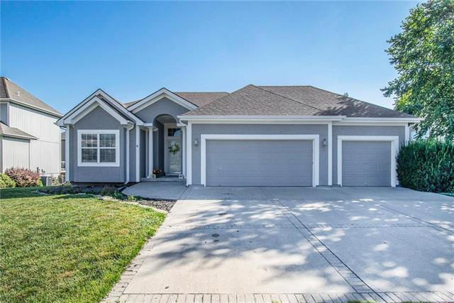 1910 Victory Lane, Kearney, MO 64060 (#2176087) :: Kansas City Homes