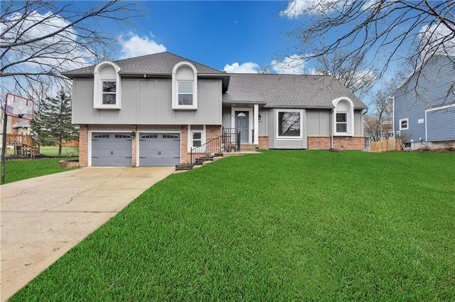 12416 W 102nd Street, Lenexa, KS 66215 (#2176108) :: The Shannon Lyon Group - ReeceNichols