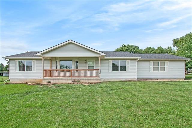 8290 Barth Road, Lenexa, KS 66227 (#2176135) :: Team Real Estate