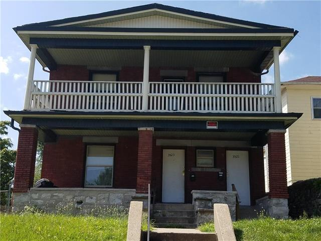 3521 St John Avenue, Kansas City, MO 64123 (#2176146) :: Clemons Home Team/ReMax Innovations