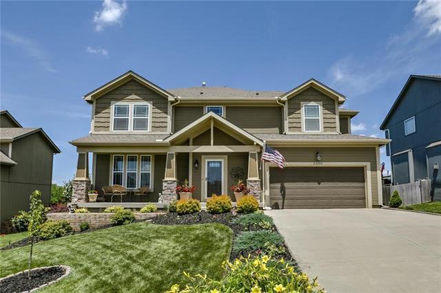 22008 W 95th Terrace, Lenexa, KS 66220 (#2176168) :: Team Real Estate