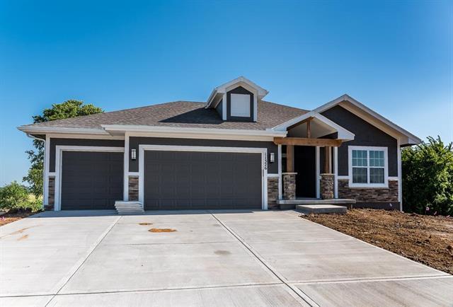2830 N 114th Terrace, Kansas City, KS 66109 (#2176320) :: House of Couse Group