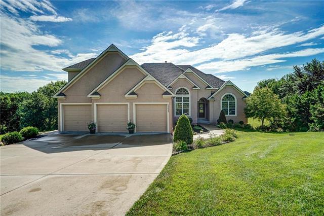 15423 N Mount Olivet Road, Smithville, MO 64089 (#2176324) :: Kansas City Homes