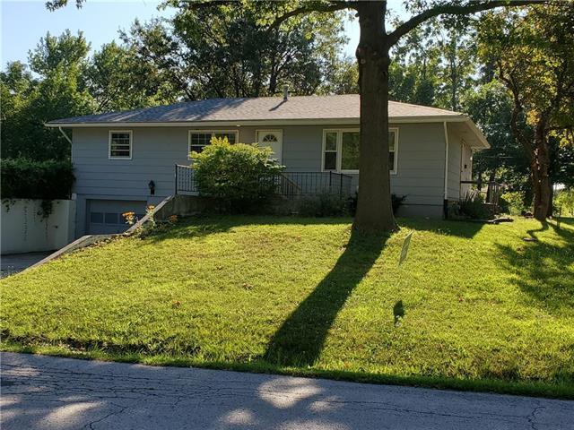 612 N Cedar Street, Cameron, MO 64429 (#2176381) :: Clemons Home Team/ReMax Innovations