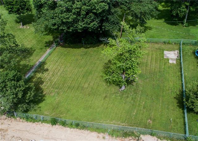 N Broadway Avenue, Gladstone, MO 64118 (#2176491) :: House of Couse Group