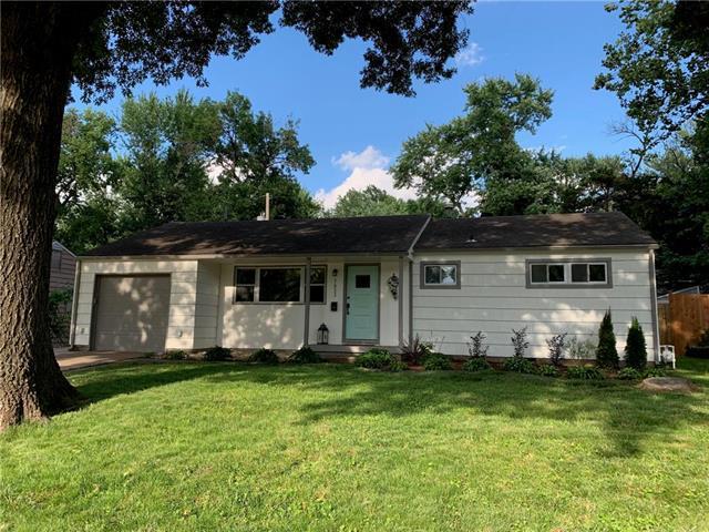 7833 Nall Avenue, Prairie Village, KS 66208 (#2176538) :: House of Couse Group