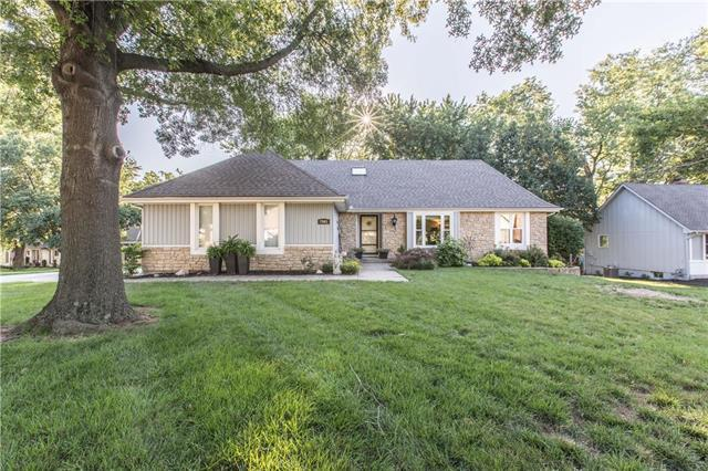 7941 N Anita Drive, Kansas City, MO 64151 (#2176601) :: Dani Beyer Real Estate