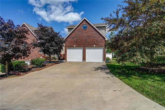 2506 Twin Oaks Drive, Harrisonville, MO 64701 (#2176620) :: House of Couse Group