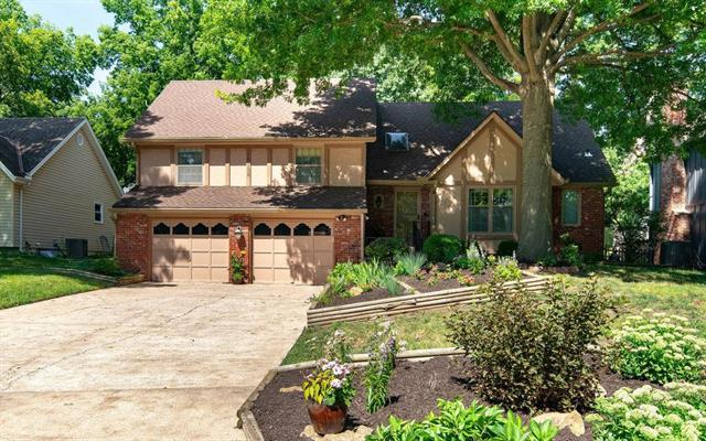 10138 Halsey Street, Lenexa, KS 66215 (#2176631) :: Team Real Estate