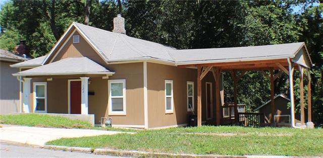 123 Emerson Avenue, Bonner Springs, KS 66012 (#2176655) :: Edie Waters Network