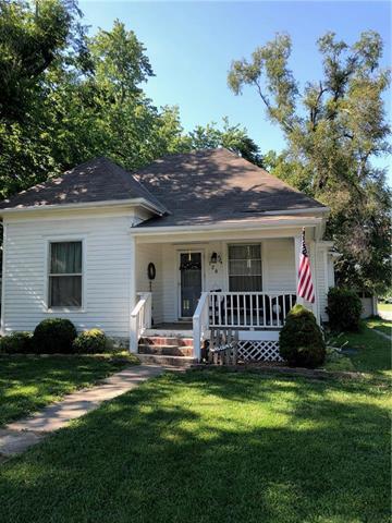 120 E Nichols Street, Spring Hill, KS 66083 (#2176701) :: Edie Waters Network