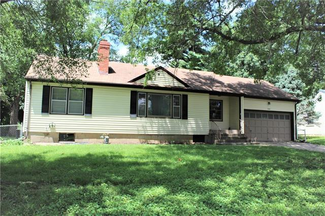 5636 Lamar Avenue, Mission, KS 66202 (#2176731) :: House of Couse Group