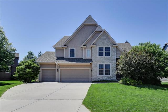 6716 Meadowlark Lane, Shawnee, KS 66226 (#2176742) :: Team Real Estate