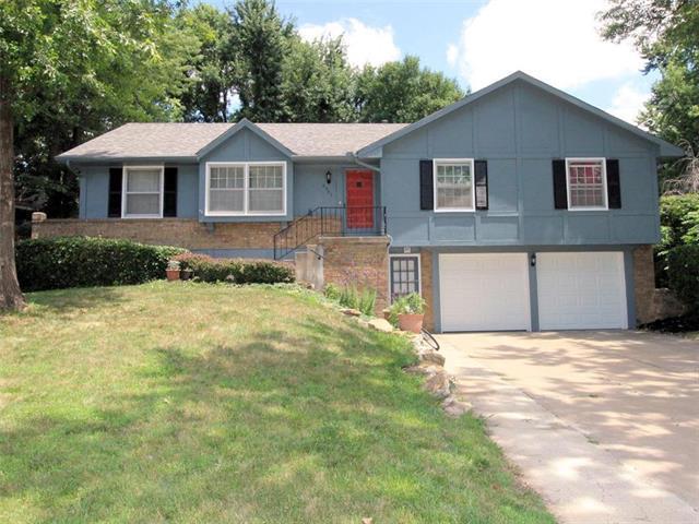 6207 Albervan Street, Shawnee, KS 66216 (#2176783) :: Team Real Estate