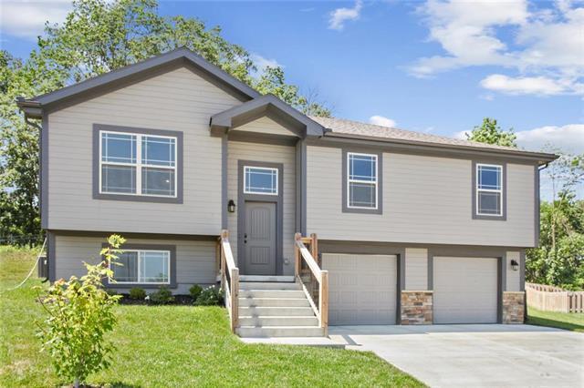 3220 NW 50th Terrace, Riverside, MO 64150 (#2176787) :: Dani Beyer Real Estate