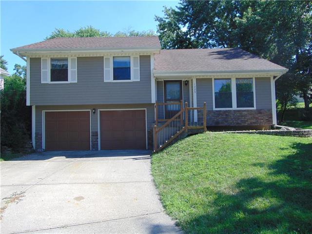1329 Linden Road, Liberty, MO 64068 (#2176823) :: Team Real Estate