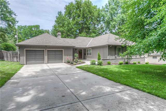 4808 W 64th Terrace, Prairie Village, KS 66208 (#2176824) :: House of Couse Group