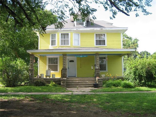 345 E 4th Avenue, Garnett, KS 66032 (#2176843) :: Team Real Estate